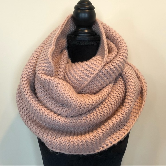 Infinity scarf 🧣 blush pink